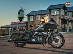 what can I say , it's a Harley - Davidson custom Road glide