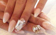 Diseños de uñas con piedras de cristal, diseno de uñas con piedras de cristal.  Join to CLUB! #uñas #3dnailart #uñasconbrillos
