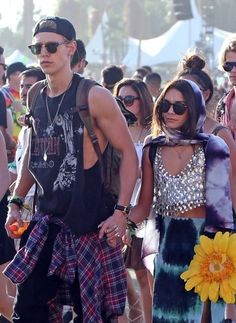 Vannessa hudgens and Austin butler  so obsessed with their relationship