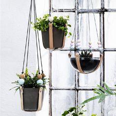 planthanger met leer