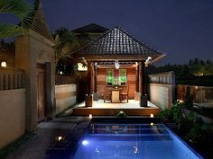 Ubud villa rental - Private dining area in front of pool