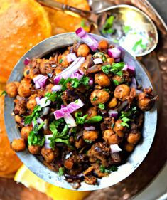 Chickpea Stir Fry/Tawa Chole - Cookilicious Chickpeas stir fried along with Indian spices and seasonings to produce this lip smacking curry. Entree Recipes, Indian Food Recipes, Asian Recipes, Ethnic Recipes, Veg Recipes, Delicious Recipes, Recipies, Dinner Recipes, Vegan Chickpea Recipes