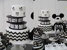 Bolo Do Mickey Mouse, Mickey Mouse Birthday Cake, Classic Mickey Mouse, Mickey Cakes, Mickey Mouse Parties, Mickey Party, Mickey Vintage, Mickey Mouse Steamboat Willie, Mickey Mouse Baby Shower