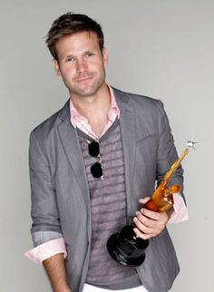Sexy Matthew Davis plays Alaric, Damon's Best Friend (Ian Somerhalder) in Vampire Diaries Matthew Davis, Famous Men, Famous People, My Prince Charming, Jason Aldean, Luke Bryan, Shirtless Men, Sharp Dressed Man, Fine Men