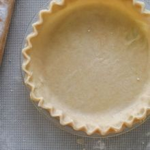 My FAVORITE Pie Crust at laurenslatest.com