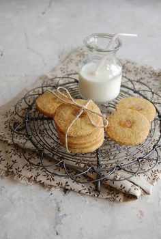 I think one can say I am addicted to baking cookies – as you have probably noticed already – and for a good while now slice and bake cooki...