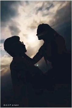 Love Wallpapers Romantic, Romantic Love Song, Romantic Song Lyrics, Romantic Songs Video, Cute Song Lyrics, Cute Love Songs, Romantic Status, Love Couple Images, Love Couple Photo