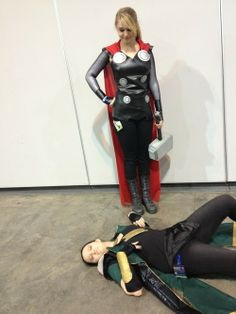 Cool fem!Thor cosplay