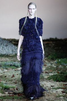 Alexander McQueen   Fall 2014 Ready-to-Wear Collection   Style.com [Photo: Marcus Tondo / Indigitalimages.com]