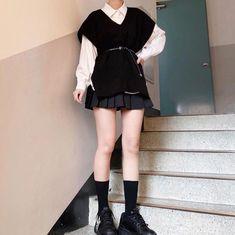 Korean Girl Fashion, Ulzzang Fashion, Kpop Fashion Outfits, Edgy Outfits, Cute Casual Outfits, Pretty Outfits, Korean Outfit Street Styles, Korean Outfits, Kawaii Fashion