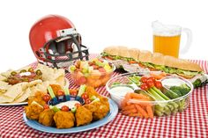 You can't have a Super Bowl party without snacks. Luckily for you, we've already done the hard work of collecting some of the best edibles available for your Super Bowl LI festivities — all you have to do is buy and eat them. Super Bowl Party, Super Bowl Essen, Team Dinner, Super Bowl Weekend, Healthy Superbowl Snacks, Quick Snacks, Football Food, Football Team, Football Season