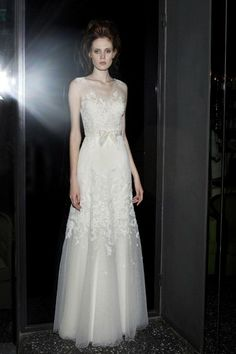 Mira Zwillinger 2013 Wedding Dress. Grace Ormonde Wedding Style Magazine | The Luxury Wedding Source #GOWS #platinumlist #weddingstyle #graceormonde #luxuryweddings