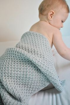 tobias babyteppe lys blågrå