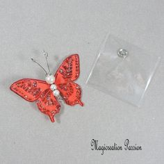 Papillon soie bouton pression rouge 5 cm Insects, Creations, Support, Dimensions, Passion, Playing Card, Papillons, Red Silk, Haberdashery