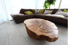 Wer in seinen vier Wänden einen natürlichen Einrichtungsstil bevorzugt, setzt lieber auf Tische aus Holz mit einem eher schlichten Design. Manche dieser Holztische sind zudem noch äußerst praktisch und im wahrsten Sinne des Wortes vielseitig.