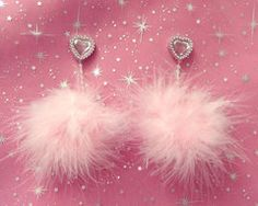 """magicalshopping: """"Baby Spice-Dolls Kill Faux Feather Valentine's day kawaii heart shaped pink feather pom-pom earrings with pearl trim (Clueless ) """" Lizzie Mcguire, Ropa Color Pastel, Pastel Pink, Baby Spice, Fashion Accessories, Fashion Jewelry, Jewelry Accessories, Fashion Clothes, Zeina"""