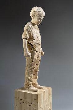 Gehard Demetz - Contemporary Artist - Wood Sculpture - 2006 - Look now father!