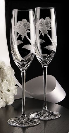Cashs Crystal Art Collection Entwined Roses Flute Pair, Limited Edition Wedding Wine Glasses, Wedding Flutes, Wedding Pews, Decorated Wine Glasses, Painted Wine Glasses, Vase Deco, Photo Frame Design, Glass Engraving, Crystal Stemware
