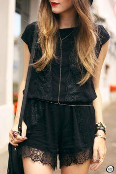 #looksly da Flávia do Fashion Coolture com nosso macaquinho preto de renda