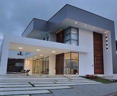 10 fachadas modernas para inspirarte a diseñar tu casa Contemporary Stairs, Contemporary Architecture, Contemporary Decor, Contemporary Cottage, Contemporary Wallpaper, Contemporary Chandelier, House Front Design, Modern House Design, Dream House Exterior