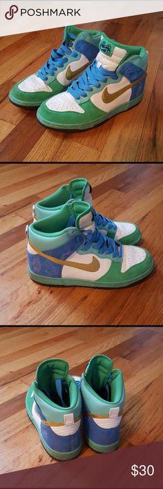 04911cfd953 Women s Nike Dunks 6.0 size 7