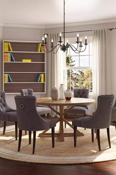 Browse traditional dining room designs and other interior decorating ideas on Havenly. Find inspiration and discover beautiful interiors designed by Havenly's talented online interior designers.