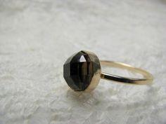 Ring vergoldet Rauchquarz grau von Querbeads Atelier auf DaWanda.com