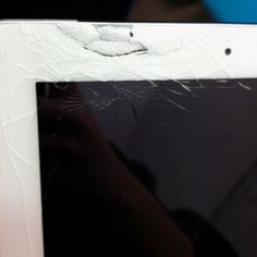 My friend's iPad. Shattered!! :(