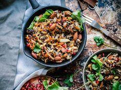 Taivaallinen libanonilainen pähkinä-linssi-riisi eli Hashew (V, GF) Real Food Recipes, Vegetarian Recipes, Dessert Recipes, Healthy Recipes, Healthy Foods, Desserts, Health Bowls, Always Hungry, Food Test