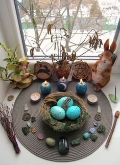 witchy spaces and altar goals Wicca Altar, Pagan Witchcraft, Magick, Samhain, Mabon, Beltane, Vernal Equinox, Equinox 2018, Altar Decorations