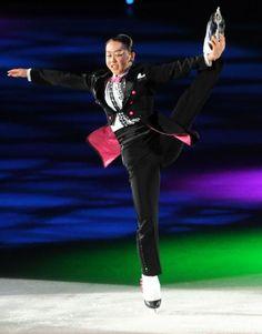 ザ・アイス仙台公演でスピンを決める浅田真央 (501×639) 「浅田真央、宮城でアイスショー「励みになればいい」」 http://www.nikkansports.com/sports/news/1516879.html