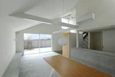 桑名の家 / House in Kuwana: 市原忍建築設計事務所 / Shinobu Ichihara Architectsが手掛けたダイニングです。