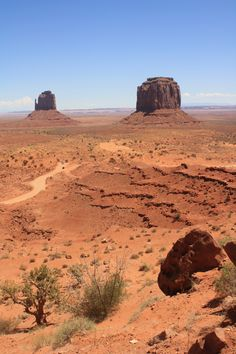 Monument Valley Skyline