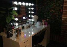 XOXOXO Bluetooth Hollywood Mirror