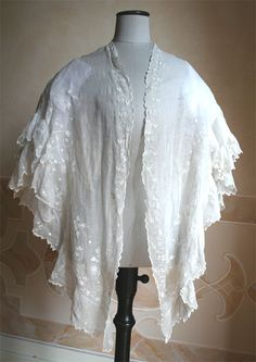 Shawl in muslin embroidered white. 1847