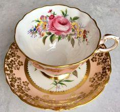 Paragon Pink Pink Rose Teacup Bouquet Gold Gilt Tea Cup Saucer England Vintage