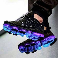 nike shoes adidas whhfashion me nikeairmax airmax yeezy want fitness cheap shopping instagood daily Cute Sneakers, Shoes Sneakers, Sneakers Style, Sneakers Fashion, Fashion Shoes, Yeezy Fashion, Swag Fashion, Dope Fashion, Fashion Pants