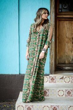 Love LOVE this bohemian dress! The colors and its awesome green color. Just flawless