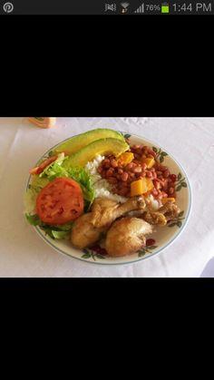 Puerto Rican food!! Yeah me!♥