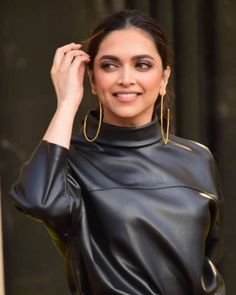 Deepika Padukone Is All Smiles As She Heads Out On A Promotional Spree For Chhapaak - HungryBoo Deepika Padukone Latest, Deepika Ranveer, Deepika Padukone Style, Shraddha Kapoor, Ranbir Kapoor, Priyanka Chopra, Ranveer Singh, Aishwarya Rai, Shahrukh Khan