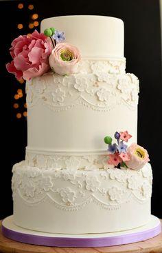 EDITOR'S CHOCE (9/18/2013) Vintage love wedding cake by Tânia Santos  View details here: http://cakesdecor.com/cakes/85300