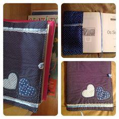 Capa para caderno ou capa para livro, em algodão 100%, preenchido com fibra sintética. www.coisadepano.blogspot.com www.facebook.com/coisadepanobabi