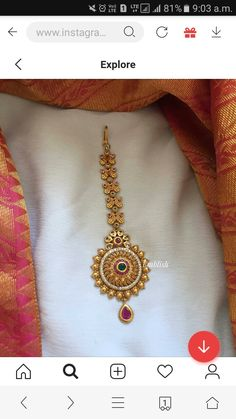 Tikka Jewelry, Gold Temple Jewellery, Indian Jewelry Sets, Gold Jewelry, Gold Necklace, Gold Bangles Design, Gold Earrings Designs, Gold Jewellery Design, Gold Mangalsutra Designs