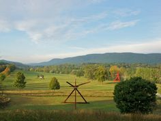 Make an arts pilgrimage to six great Hudson Valley art destinations. Blockbuster institutions and little-known arts venues converge here, north of NYC. Weekend Hiking, Weekend Vacations, Weekend Getaways, Weekend Fun, Day Trip To Nyc, Day Trips, Weekend Trips, Cool Places To Visit, Places To Go