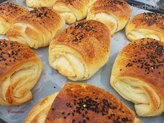Katmer poğaça/Poača (fotorecept) Dumplings, Bagel, Low Carb, Cooking Recipes, Bread, Food, Hampers, Chef Recipes, Brot