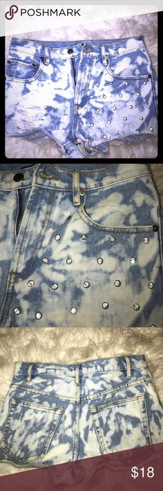 Bleached denim shorts Bleached and diamond studded distressed forever 21 shorts!! super cute and trendy! Forever 21 Shorts Jean Shorts
