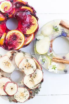 Anytime I make a punch for a party, it always has an ice ring! These DIY ice rings you can make for party punch add such a charming, vibrant touch to… Easy Cocktails, Holiday Cocktails, Summer Cocktails, Cocktail Recipes, Drink Recipes, Cocktail Party Decor, Party Drinks, Cocktail Parties, Dinner Parties