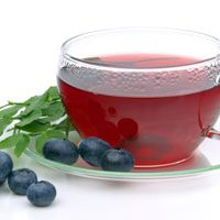 Blueberry Tea Recipe - Flavored Tea Recipes - The Daily Green Healthy Meals To Cook, Healthy Recipes, Healthy Food, Blueberry Tea, Strawberry Leaves, Oolong Tea, Beetroot, Tea Recipes, Vintage Tea