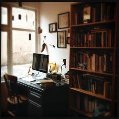 Escritorios de escritores (Daniel Saldaña París) | Letras Libres