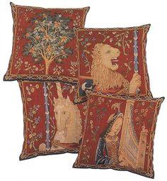 coussins des motifs de la tapisserie a mon seul desir de la serie de